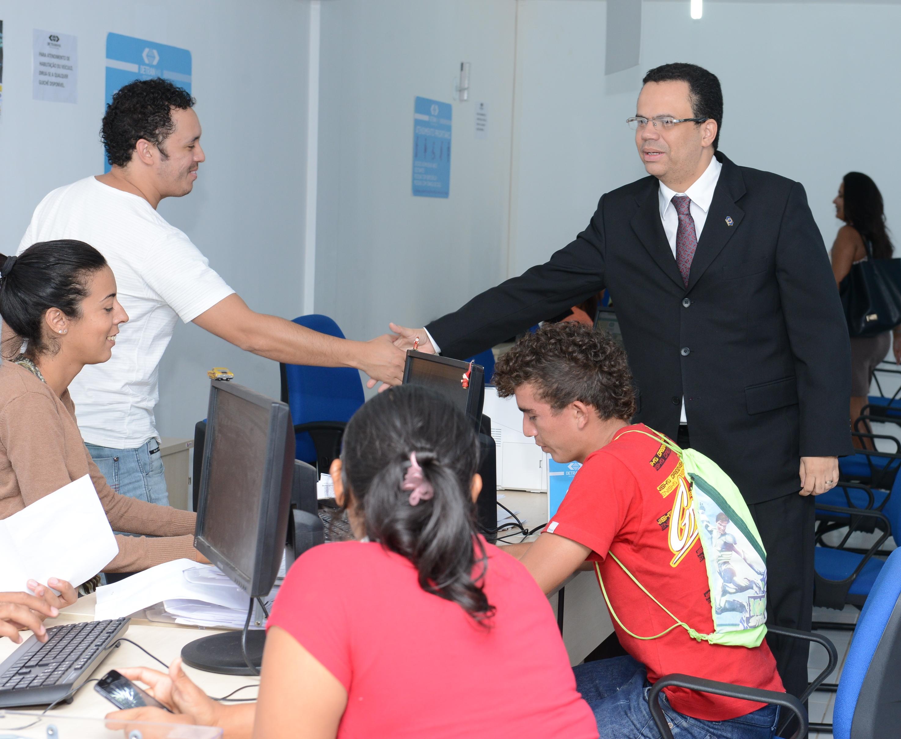 Equipe do Detran visita postos avançados do órgão na capital