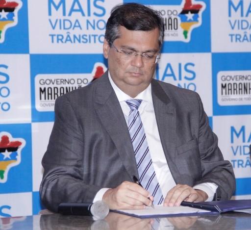 Governador Flávio Dino lança programa de redução de acidentes com motos no Maranhão