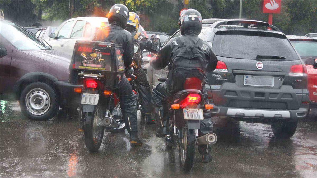 Proprietários de motos com Licenciamento em atraso serão notificados pela Fazenda