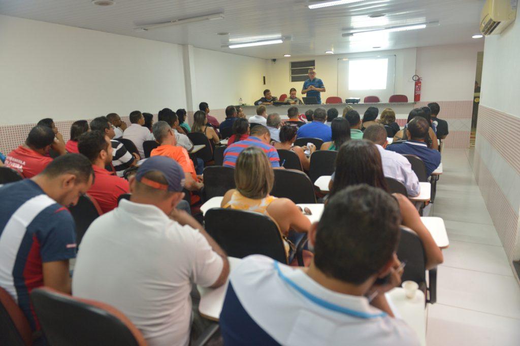 Detran promove treinamento no Sindicato das Autoescolas