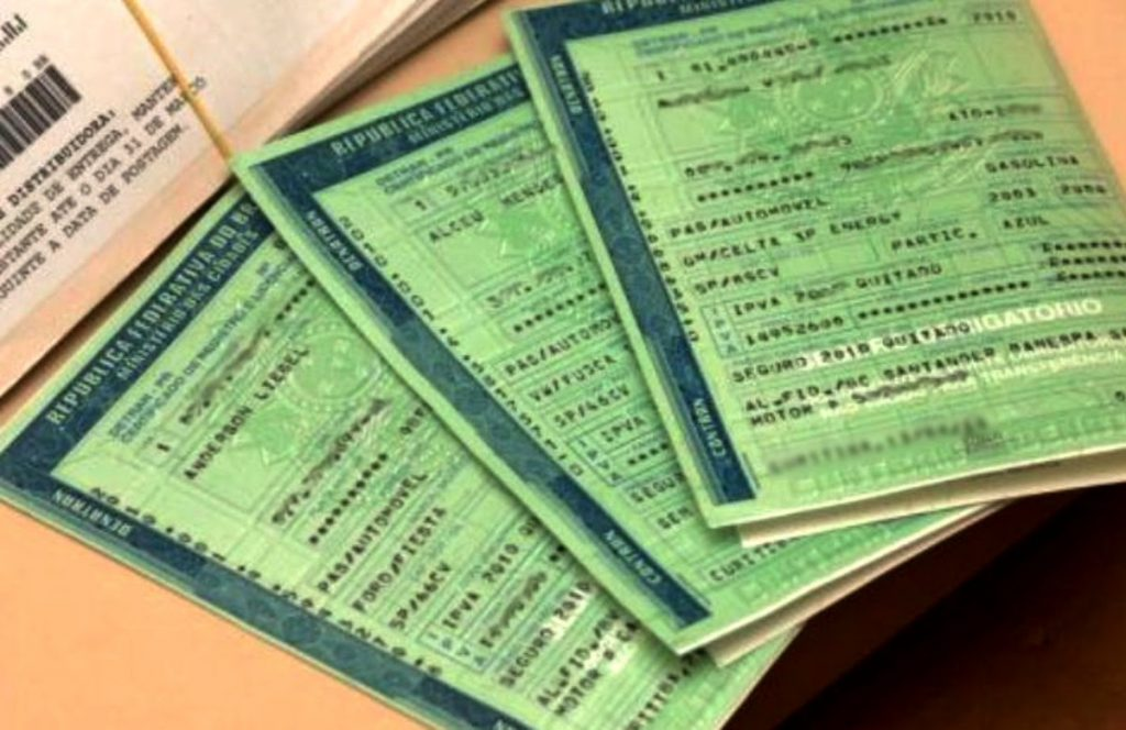 Licenciamento de veículos é feito de forma imediata após quitação de débitos