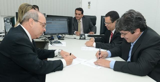 Detran-MA negocia salários de funcionários terceirizados e solicita nomeação de novos concursados