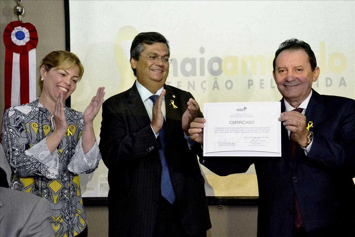 Governo lança movimento 'Maio Amarelo', CNH Rural e premia prefeito defensor da vida no trânsito