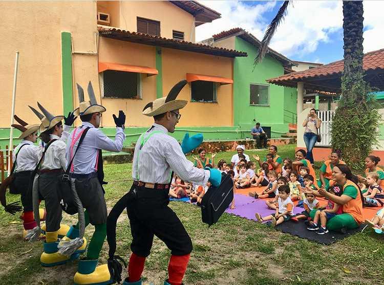 """Detran-MA realiza espetáculo """"Os Sabitrânsito"""" em alusão ao Dia das Crianças"""