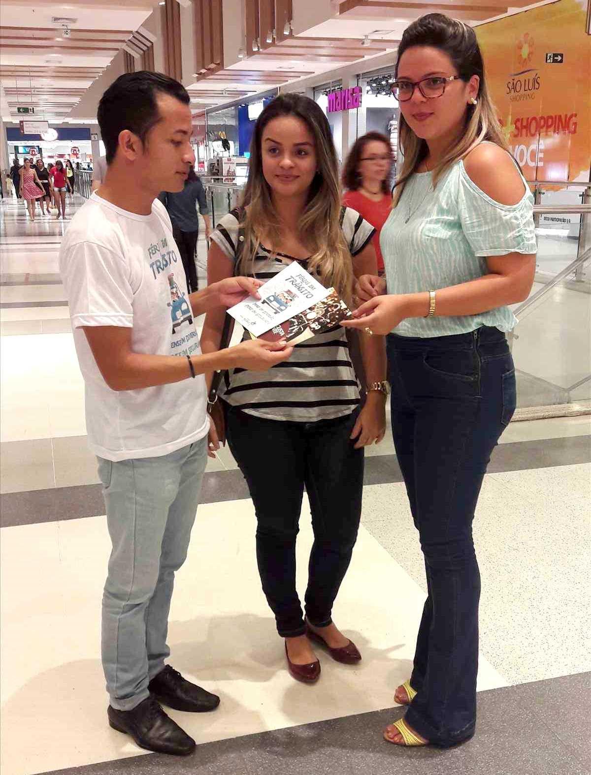 Campanha 'Férias em Trânsito' é realizada em shopping da capital