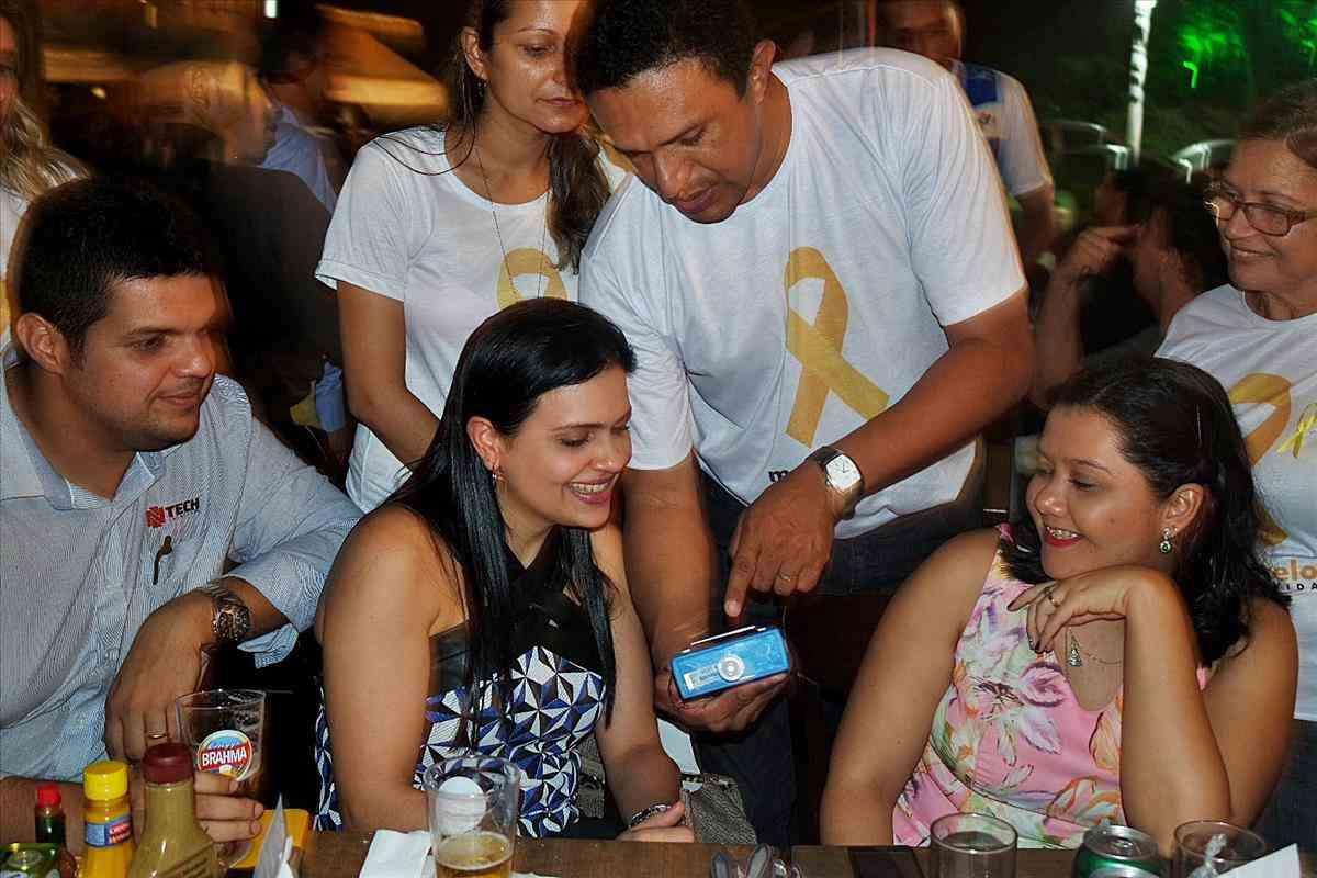 Movimento Maio Amarelo realiza ações educativas em bares da capital